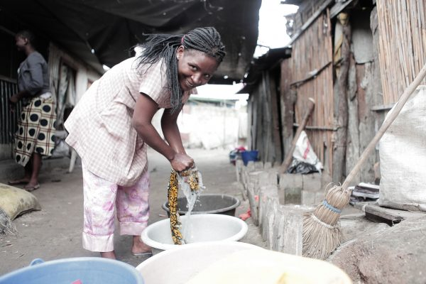 Gathering water in Maputo, Mozambique