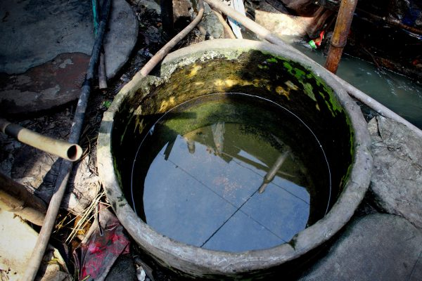Unhygienic water storage in Dhaka