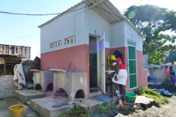 Chamanculo sanitation block, Maputo