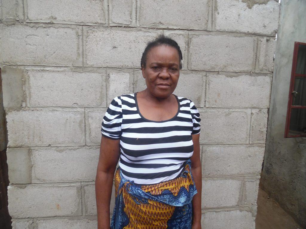 Flora Nombora, resident Aeroporto B